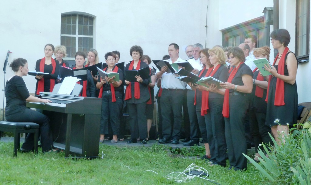 Open-Air-Konzert hinter der Christuskirche